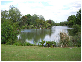 Homestead Lake Country Park