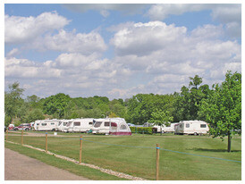 Homestead Lake Park Touring Caravan Campsite